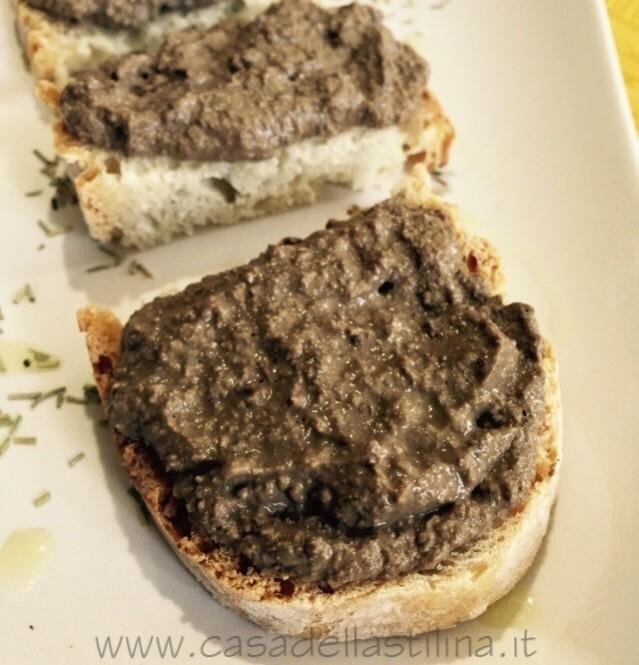 Crostini Toscani di fegatini – Crostini neri